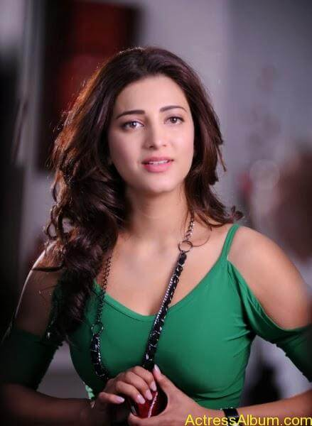 shruti hassan in green dress (3)