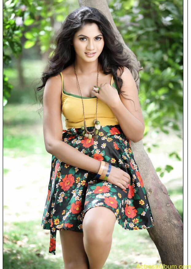 Shruti Reddy New Hot Photoshoot images Shruti Reddy Spicy Stills (15)