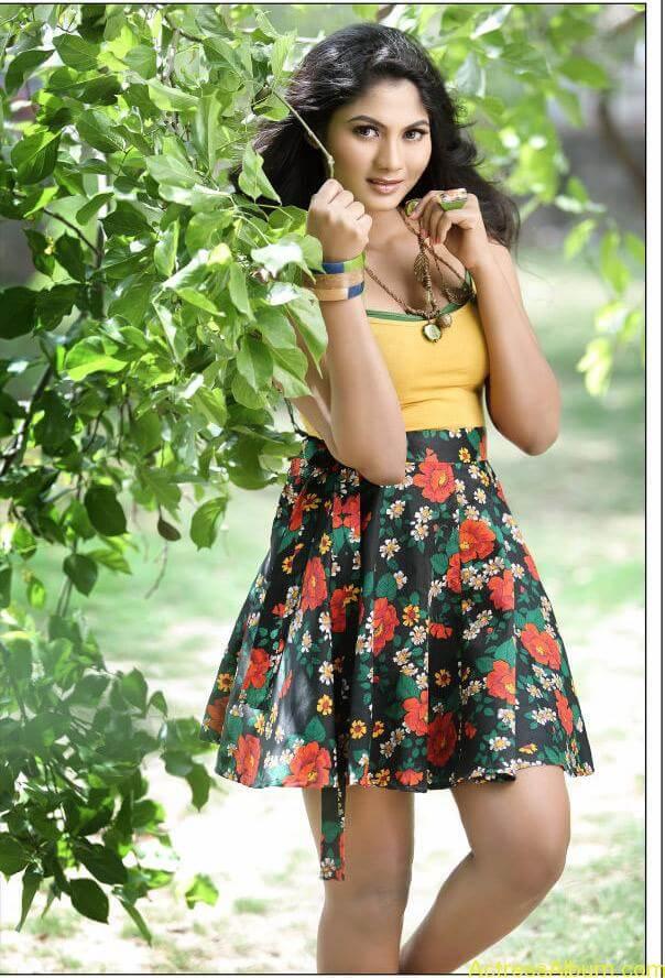 Shruti Reddy New Hot Photoshoot images Shruti Reddy Spicy Stills (2)