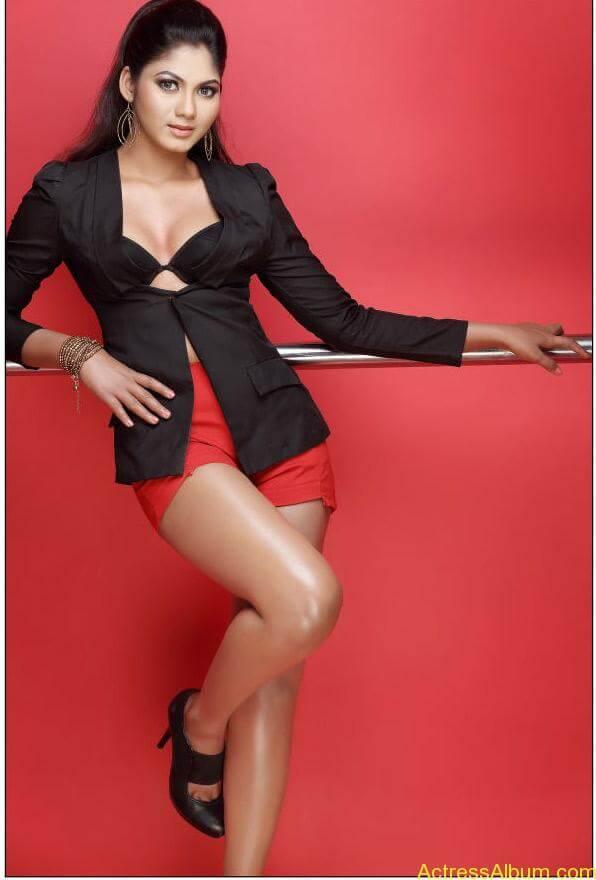 Shruti Reddy New Hot Photoshoot images Shruti Reddy Spicy Stills (3)