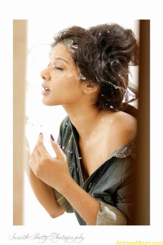 Shruti Yugal Smoking hot photo shoot (1)