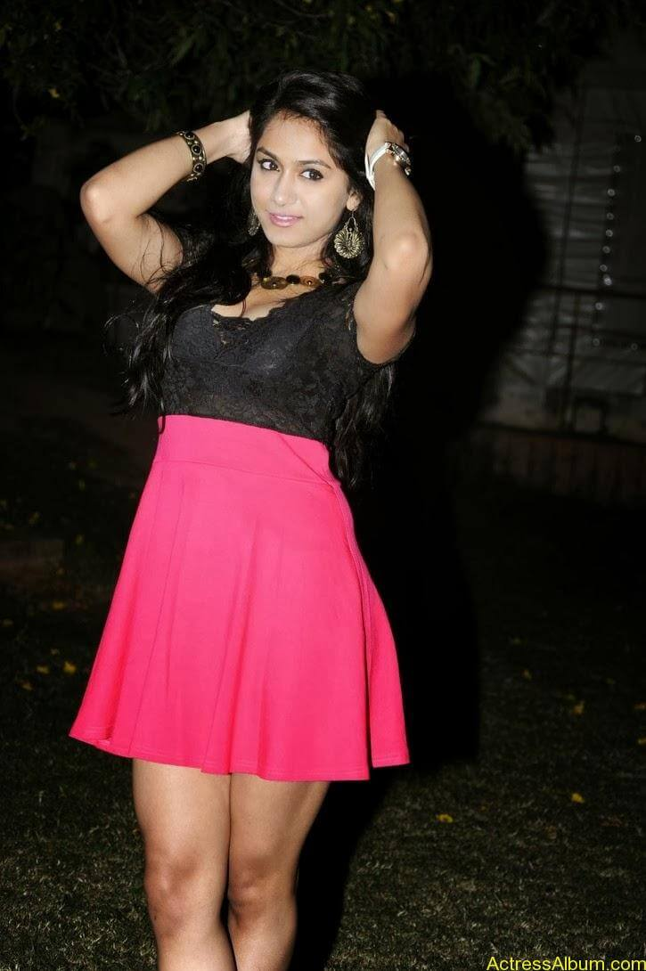 Smithika new hot stills (10)