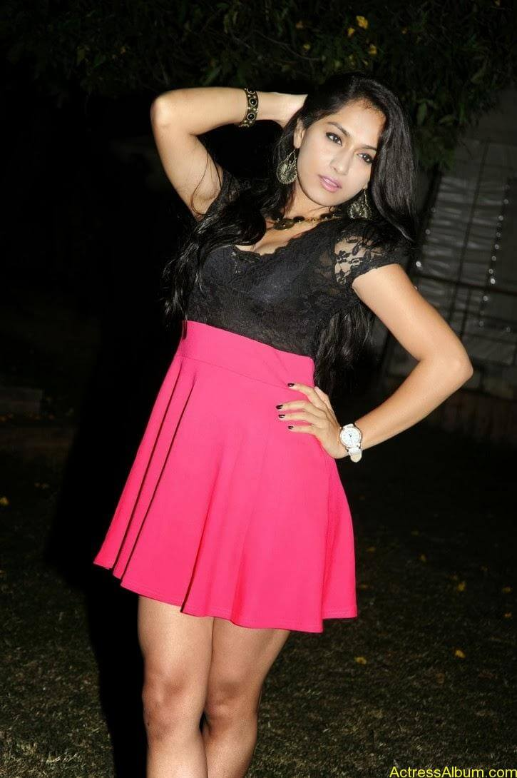 Smithika new hot stills (12)