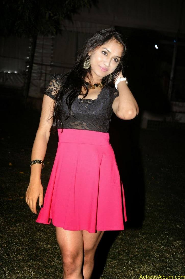 Smithika new hot stills (14)