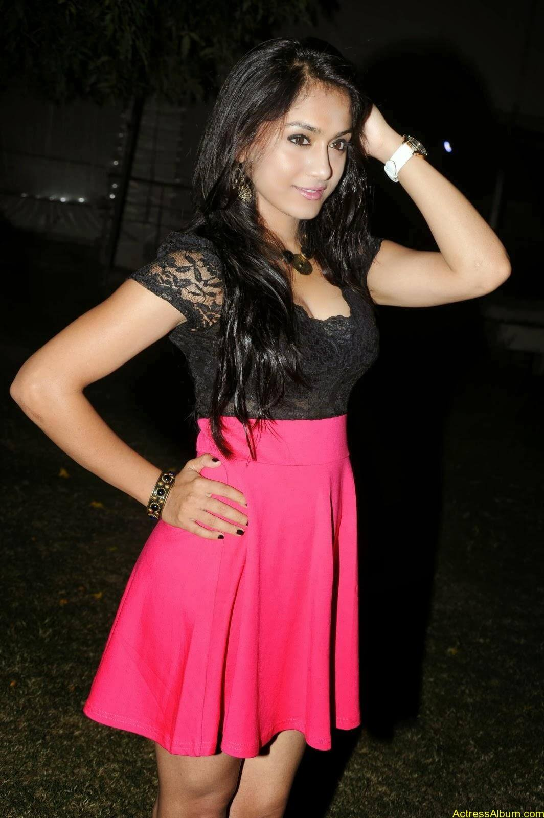 Smithika new hot stills (19)