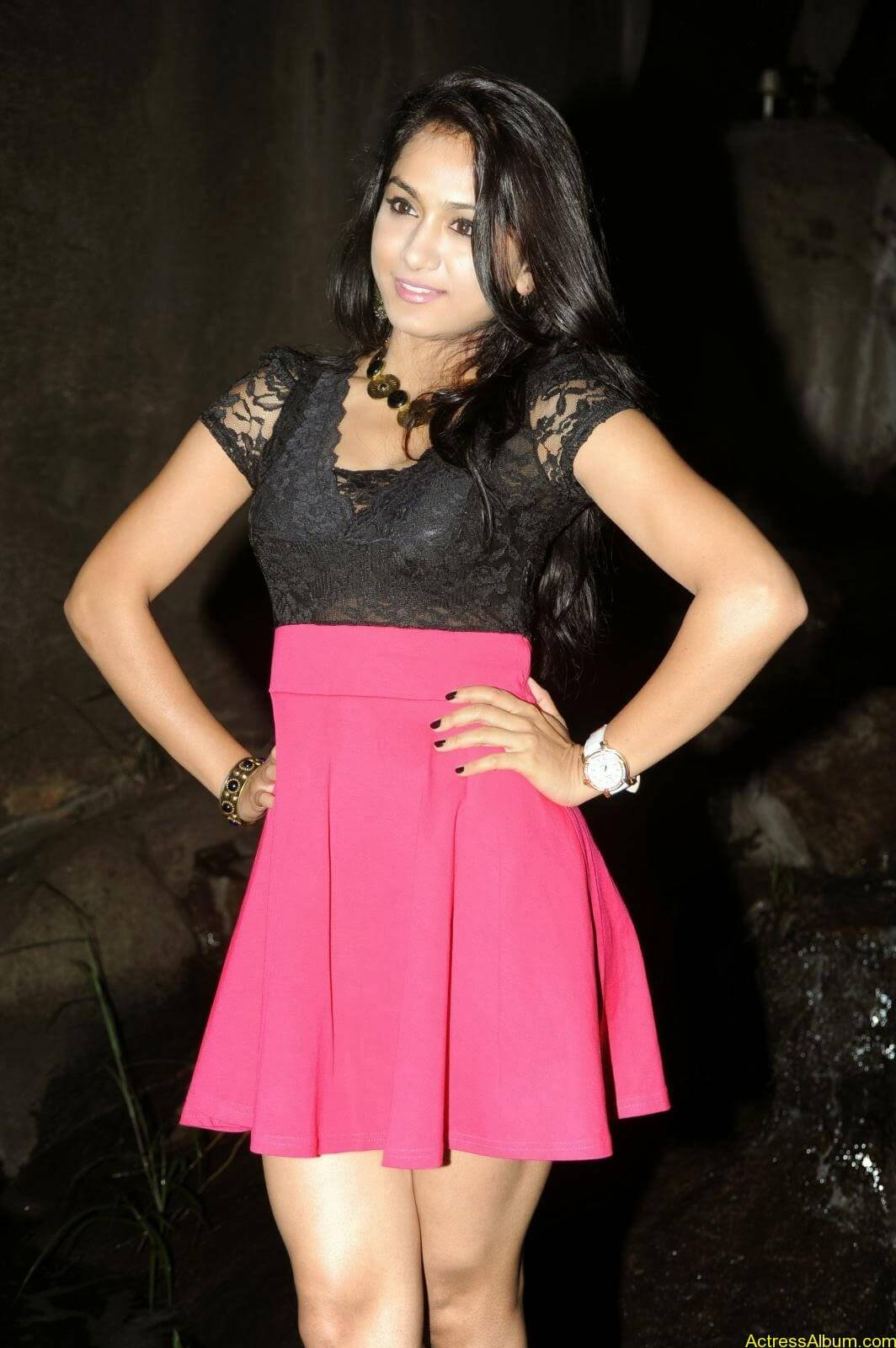 Smithika new hot stills (20)