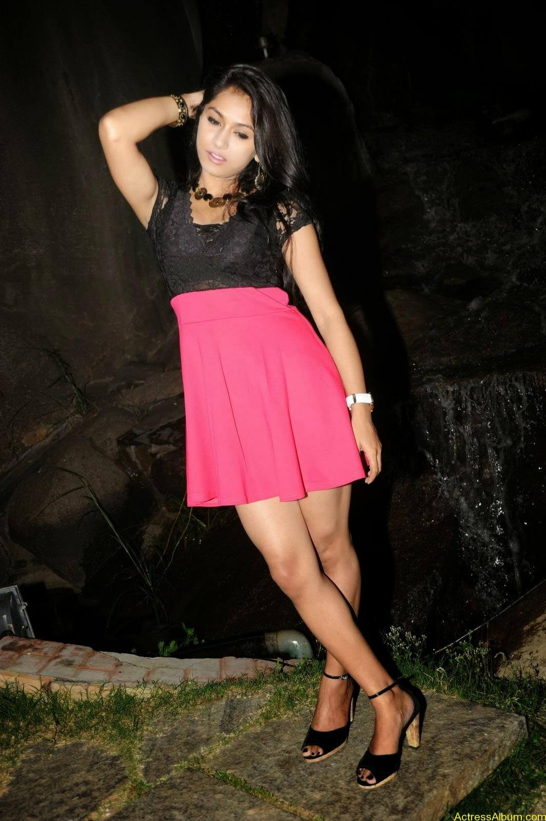 Smithika new hot stills (21)