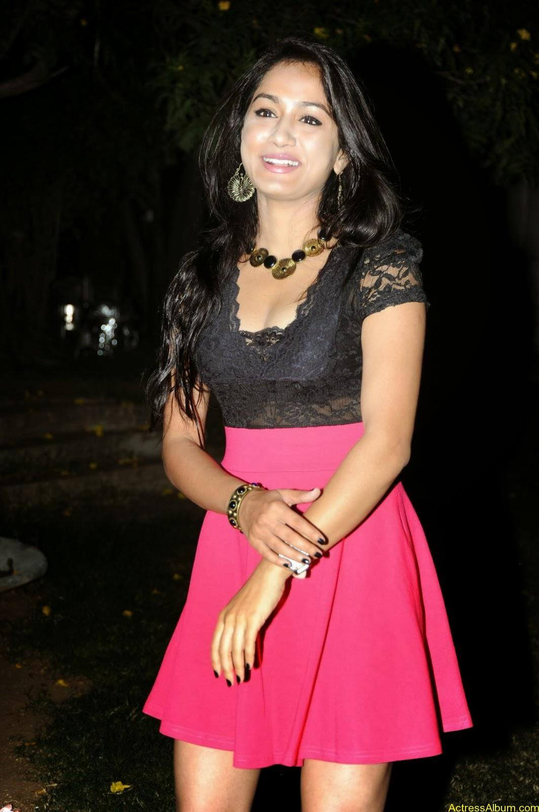 Smithika new hot stills (23)