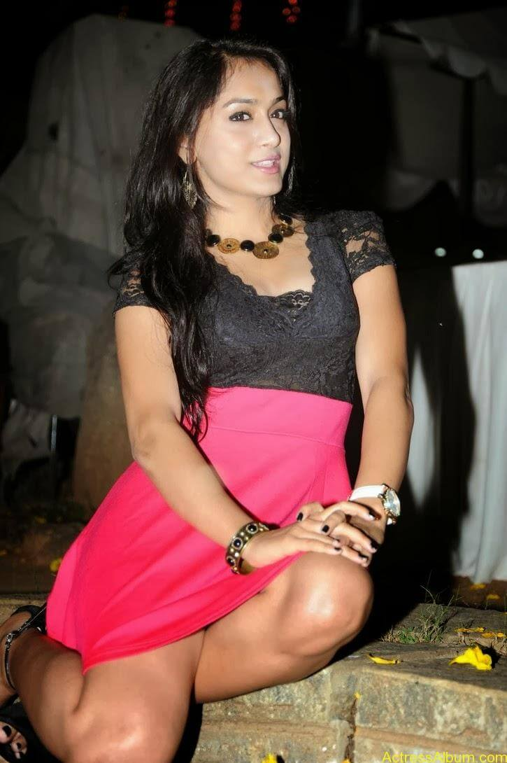 Smithika new hot stills (24)