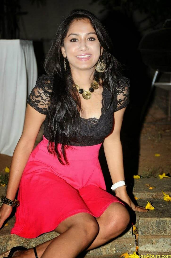 Smithika new hot stills (25)