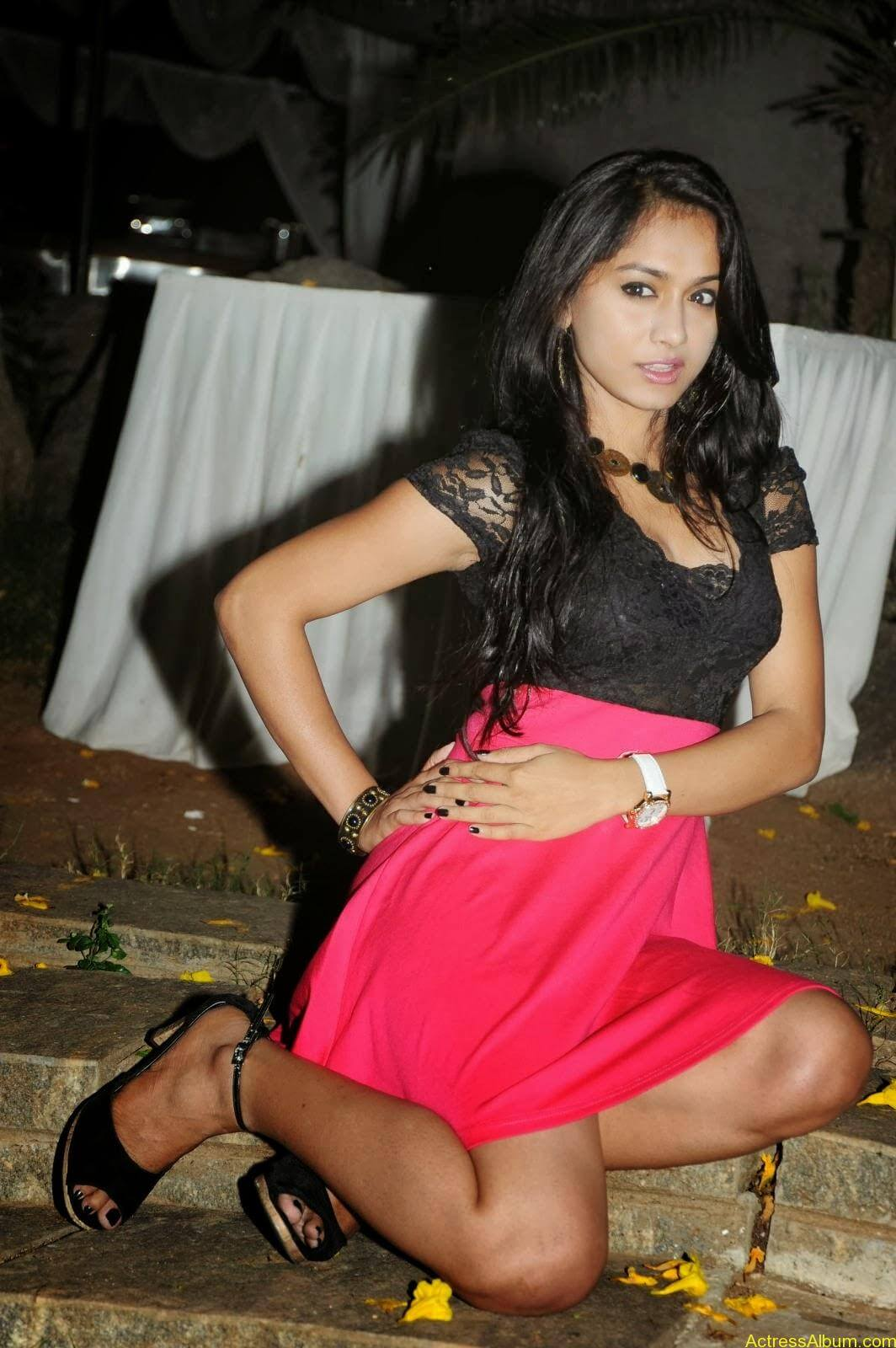 Smithika new hot stills (27)