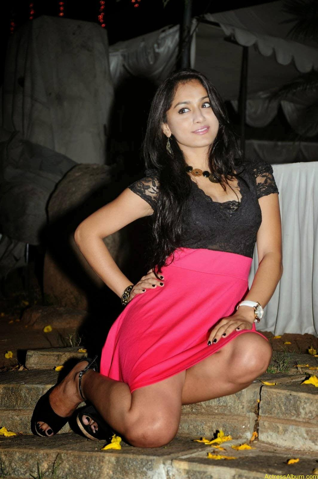 Smithika new hot stills (28)