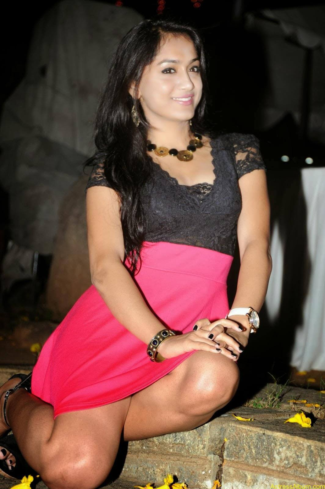 Smithika new hot stills (29)