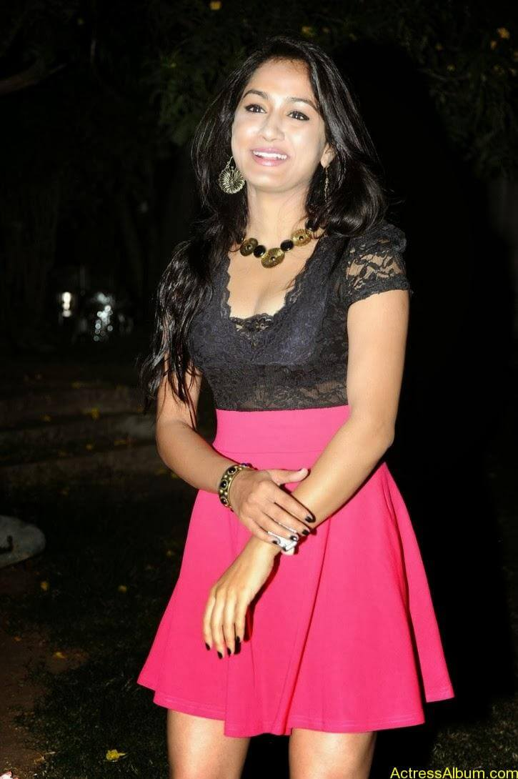 Smithika new hot stills (9)