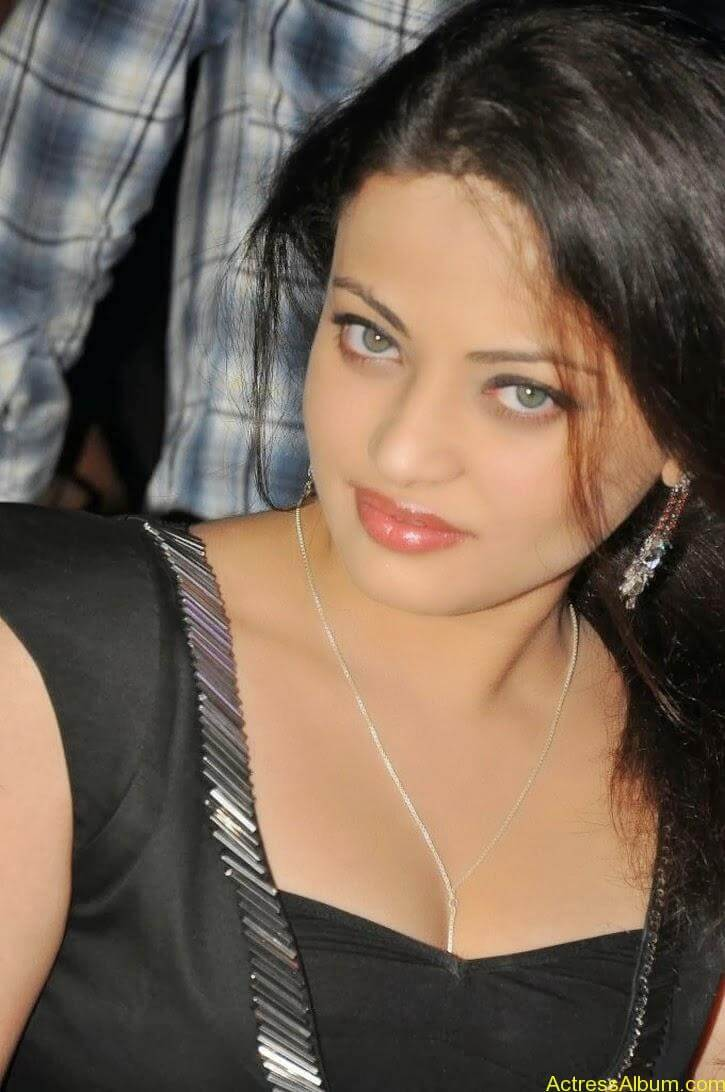 Sneha Ullal Latest hot Photos (1)