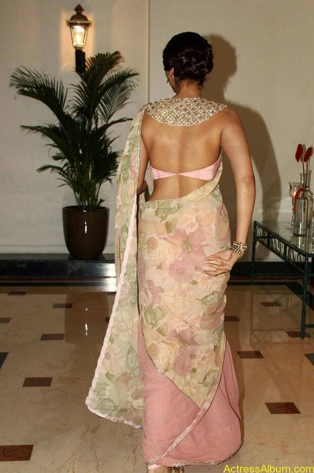 Sonam Kapoor latest hot pictures in transparent saree  (3)