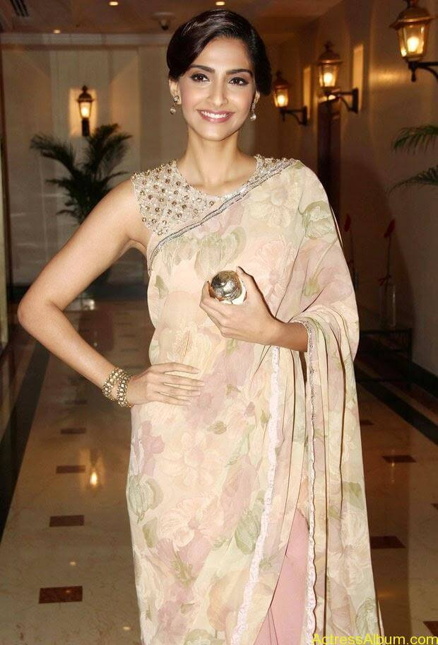Sonam Kapoor latest hot pictures in transparent saree  (4)
