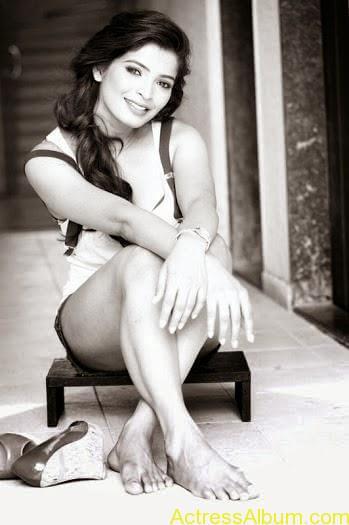 SoodhuKavvum- Movie- actress Sanchita-Shetty Latest- Hot stills  (2)