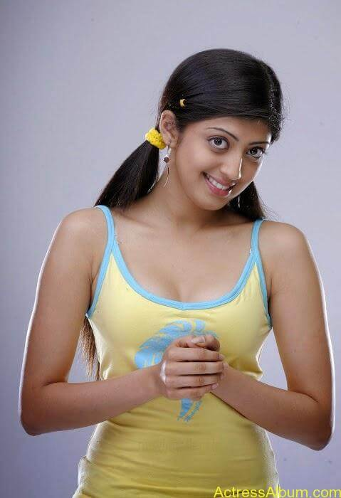 South india actress pranitha hot stills (8)