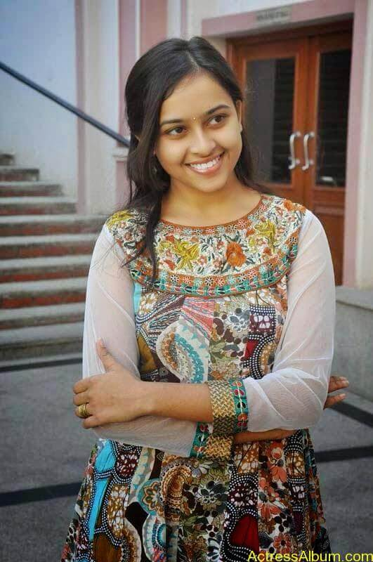 Sri Divya latest stills (4)