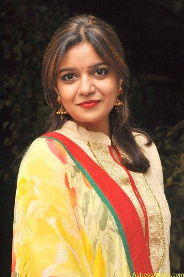 Swathi latest hot stills (9)