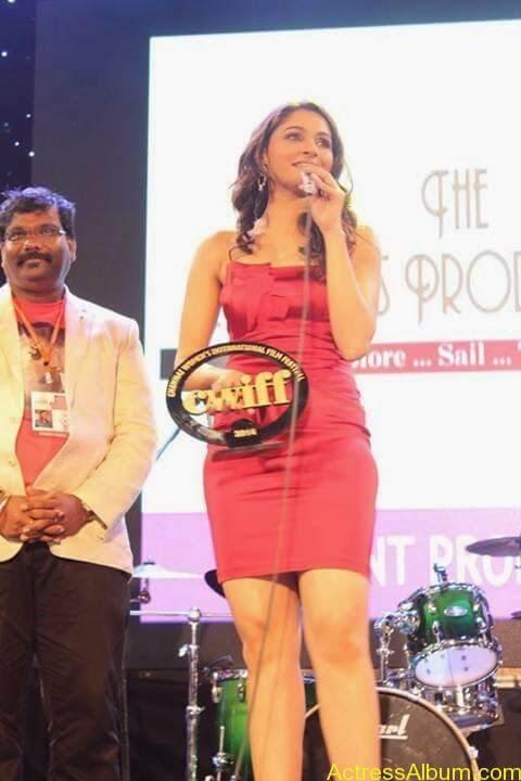 Tamil Actress Andrea Jeremiah Sexy Gallery 4