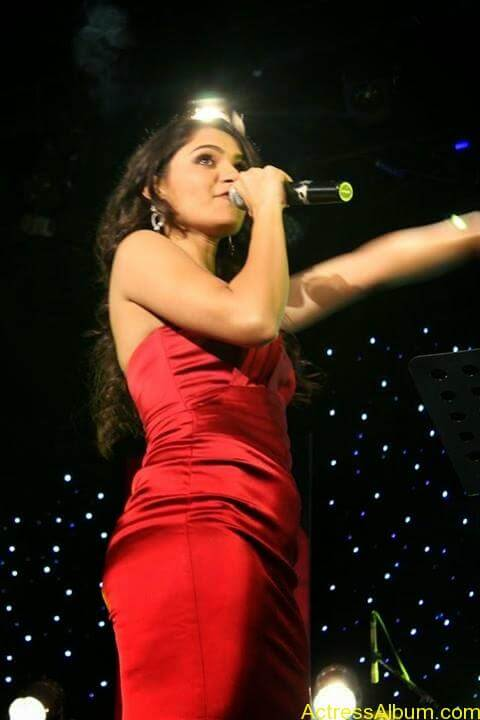 Tamil Actress Andrea Jeremiah Sexy Gallery 6