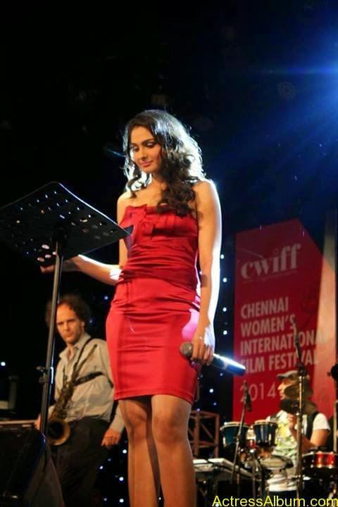 Tamil Actress Andrea Jeremiah Sexy Gallery 8
