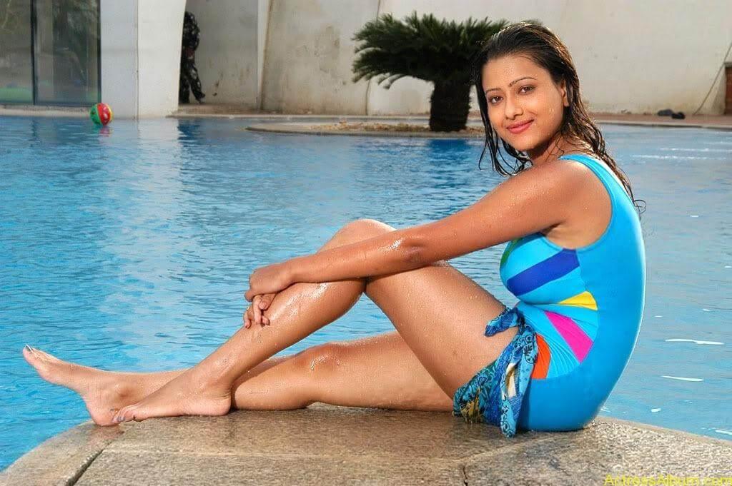Tamil actress Madasala sharma bikni pics 11