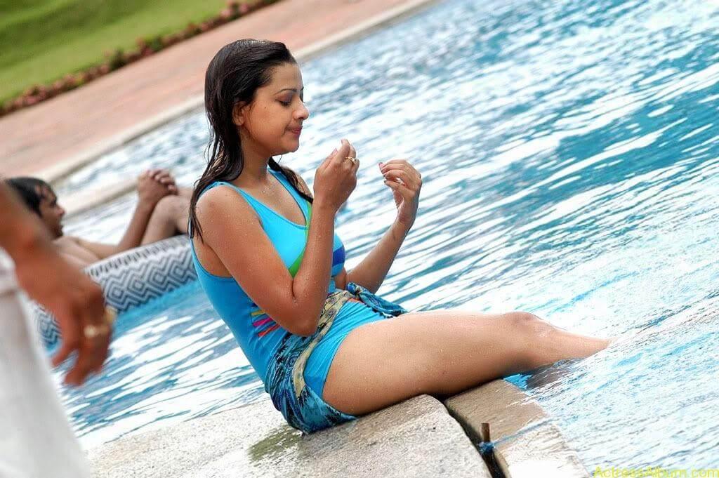 Tamil actress Madasala sharma bikni pics 14