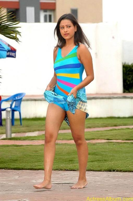 Tamil actress Madasala sharma bikni pics 15
