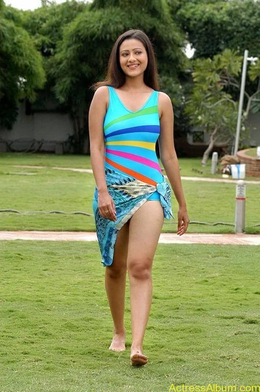 Tamil actress Madasala sharma bikni pics 16