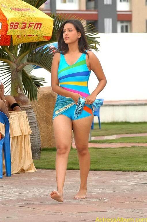 Tamil actress Madasala sharma bikni pics 18