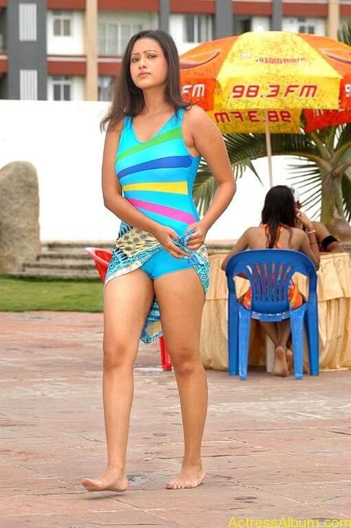 Tamil actress Madasala sharma bikni pics 3
