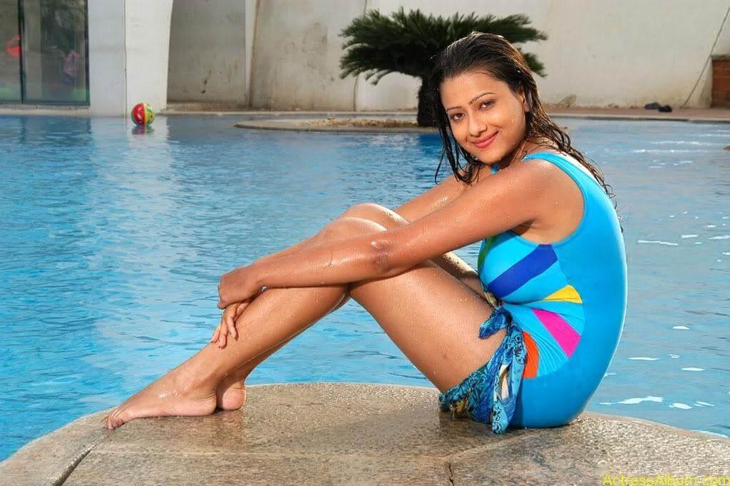 Tamil actress Madasala sharma bikni pics 5
