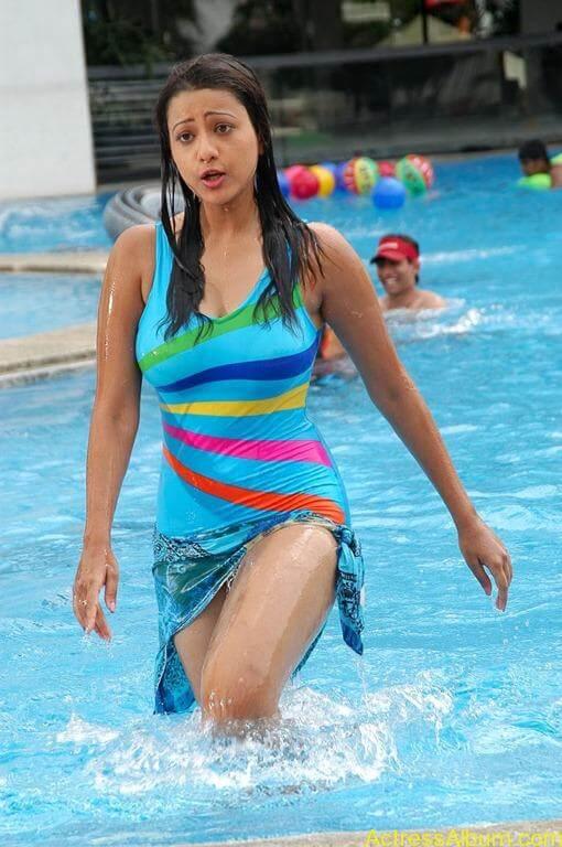 Tamil actress Madasala sharma bikni pics 8