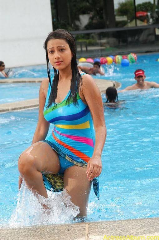 Tamil actress Madasala sharma bikni pics 9