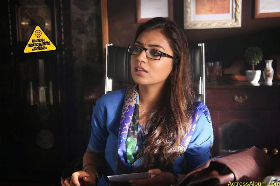 Tamil Actress Nazriya Nazim Cute images 14
