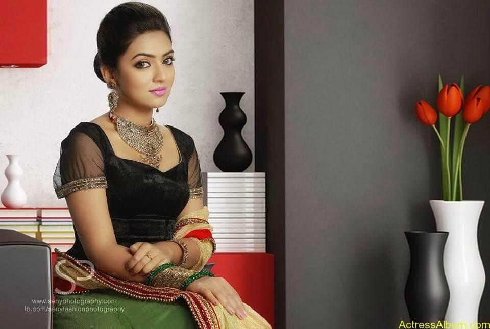 Tamil Actress Nazriya Nazim Cute images 3