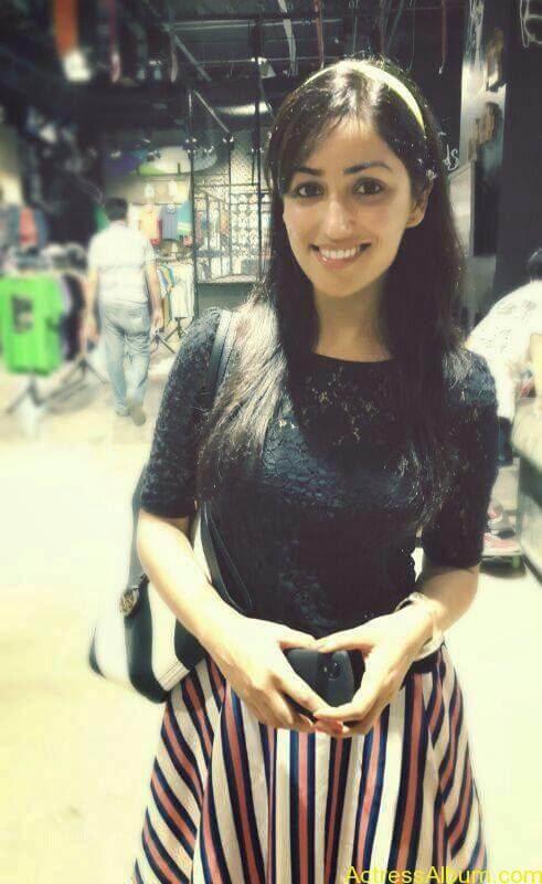 Tamil Actress Yami Gautam Hot Images 8