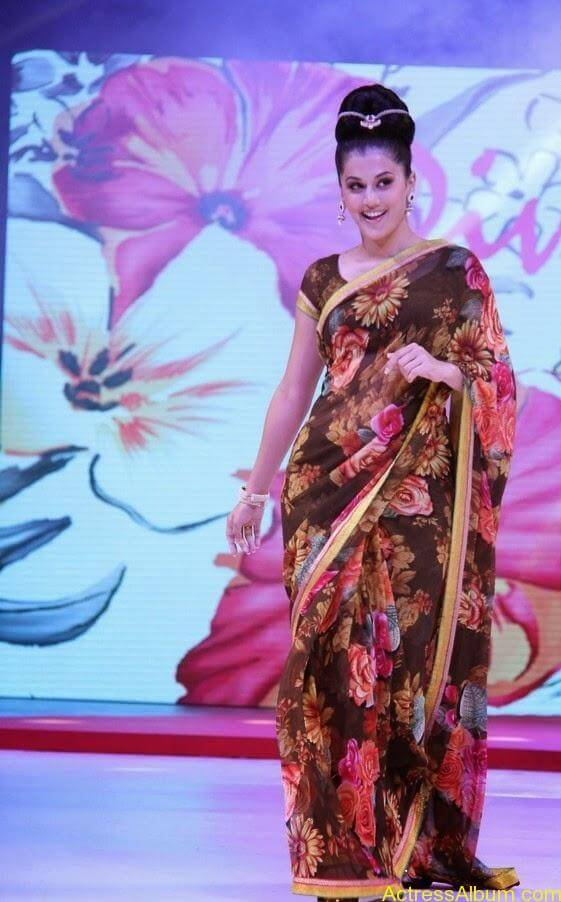 Tapsee  Saree stills (4)
