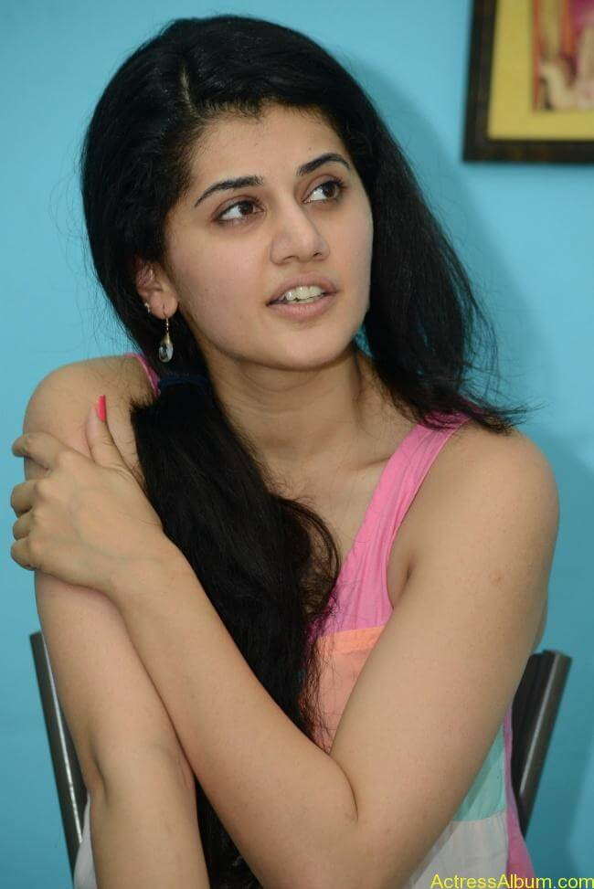 Tapsee Hot Stills...Sexy Pics