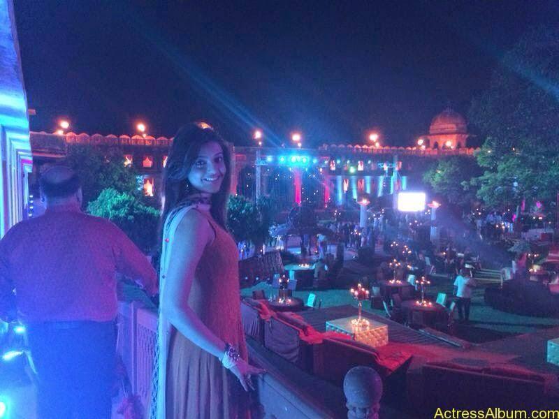Telugu Actress kajal Agarwal Hot & Horny Pics 36
