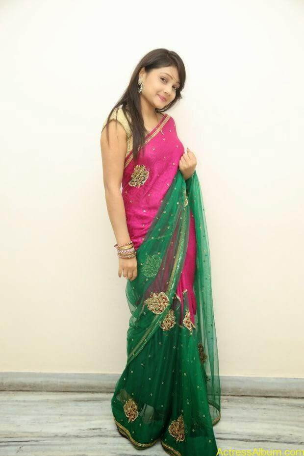 Telugu Actress Priyanka latest wallpapers in pink saree (3)