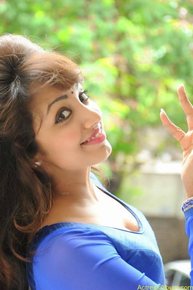 Telugu Actress Tejaswi latest photo shoot (1)