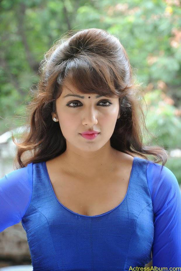 Telugu Actress Tejaswi latest photo shoot (4)