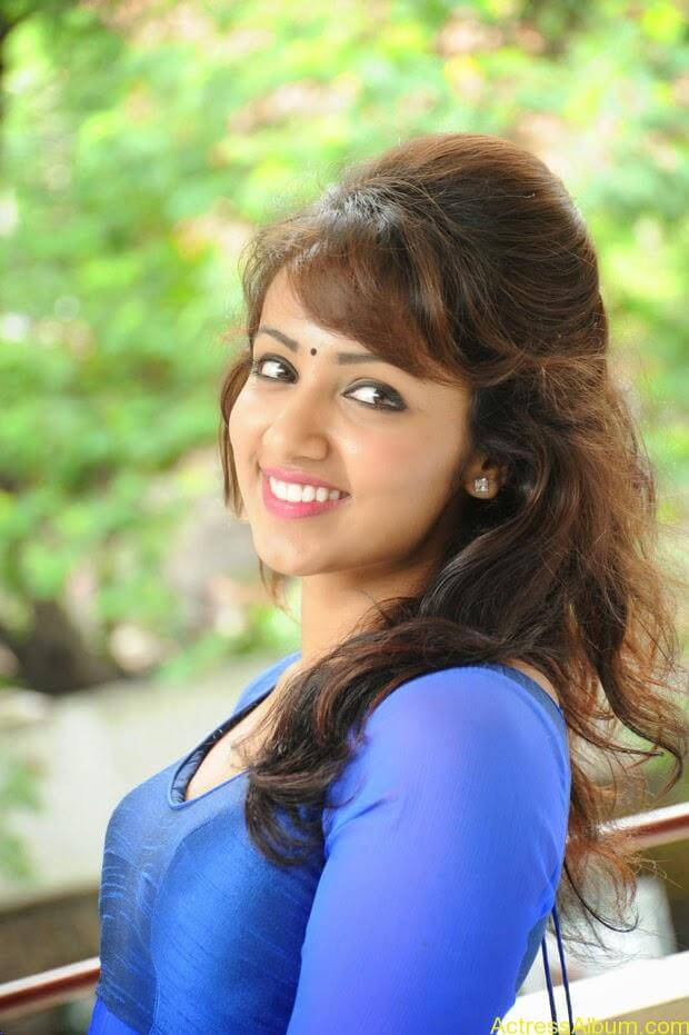 Telugu Actress Tejaswi latest photo shoot (6)