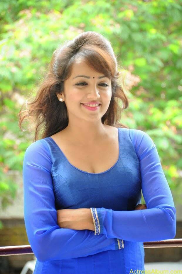 Telugu Actress Tejaswi latest photo shoot (8)