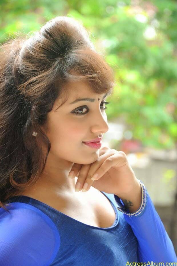 Telugu Actress Tejaswi latest photo shoot (9)