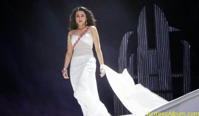 Trisha Krishnan Stunning cute look in white dress Hot pics 1